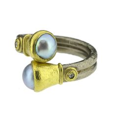 Poppy Dandiya 18ct gold ring with pearls and diamonds - Gorgeous:)
