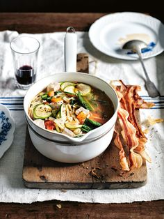 Chicken Minestrone This looks so tasty! Soup Recipes, Chicken Recipes, Cooking Recipes, Healthy Recipes, Chicken Soup, Chicken Fennel, Yummy Recipes, Diet Recipes, Dessert Recipes