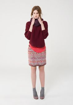 The Nova Jacquard skirt is colourful while still being sophisticated. This pencil skirt shape features a ponti waistband, woven jacquard main with small side splits and a longer back. Perfect for work or play.
