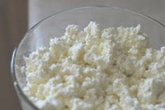 Who knew cottage cheese was so easy to make! Another great use for your kefir. 1 QUART whole milk; Salt to taste~at table! Kombucha, Kefir Recipes, Snack Recipes, Snacks, Cheese Recipes, Dinner Recipes, Cottage Cheese Diet, Salmon Fish Cakes, Low Carb Recipes