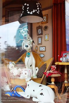 spring store window displays pet store | window display at the disney store disney village disneyland paris ...