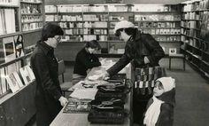 Kiedy ktoś już miał gramofon, płyty winylowe mógł kupić w - bądźmy szczerzy - mizernym wyborze np. w MPiK-u przy ul. Warszawskiej w Białymstoku. Rok 1980 Ul, Fictional Characters