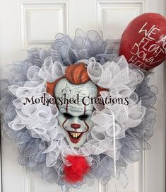 Scary Halloween Wreath, Halloween Clay, Scary Halloween Decorations, Halloween Carnival, Halloween Signs, Halloween Projects, Fall Halloween, Halloween Bedroom, Witch Wreath