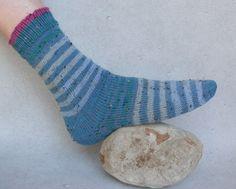 Socks, Diy, Fashion, Knitting Socks, Knitting And Crocheting, Sewing Patterns, Tutorials, Creative, Moda