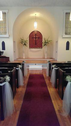 Simple and elegant church wedding decor