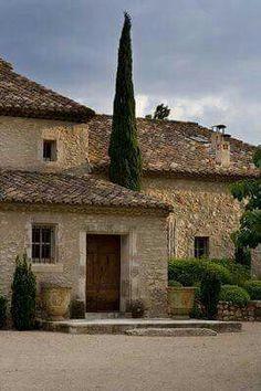 Tuscan style – Mediterranean Home Decor Italian Home, Italian Villa, French Country House, French Farmhouse, Country Houses, Tuscan Style Decorating, Provence Style, Provence France, Mediterranean Home Decor