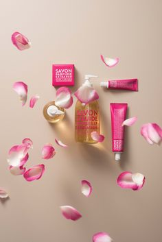 Compagnie de Provence's Extra Pur Wild Rose range is loved for its fragrance resembling a bouquet of freshly cut roses! Provence, Pretty In Pink, Contemporary Design, Fragrance, Bouquet, Roses, Range, Soap, Cookers