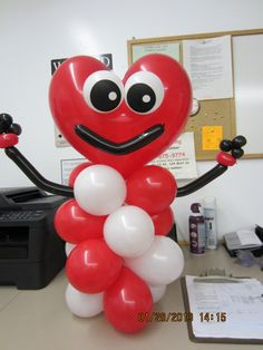 Cute Valentine's Day balloon art! | Wally's Party Factory #Valentines #balloons