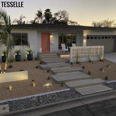 Mid Century Landscaping, Modern Landscaping, Florida Landscaping, Yard Landscaping, Backyard Patio, Landscaping Ideas, Modern Front Yard, Front Yard Design, Fence Design