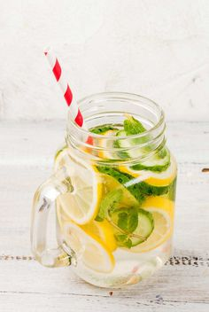 GH readers share their best tips for healthy aging. Healthy Detox, Healthy Drinks, Healthy Snacks, Healthy Aging, Infused Water, Fresh Rolls, Cleanse, Juice, Clean Eating