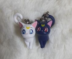Luna  Artemis ☆ Sailor Moon 20th Anniversary Keychain Chibi Sailor Moon Crafts, Clay Keychain, Saylor Moon, Luna And Artemis, Anime Merchandise, Sailor Moon Crystal, Fimo Clay, Anime Figures, Kawaii Cute