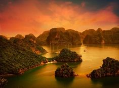 Ha Long Bay in Vietnam - TouCanvas