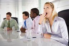 Die Geschichte des Mittagsschlafs ist eine Geschichte voller Missverständnisse. Wer nach dem Mittagessen im Büro wegdämmert, outet sich latent als Weichei und Faulpelz. Viele Chefs sehen das nicht gerne. Ist aber völlig falsch!