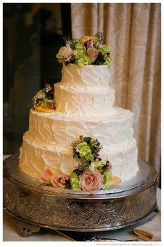 Wedding Cake  www.ModernWeddingPhotography.tv  Flowers by Open House Country Flowers