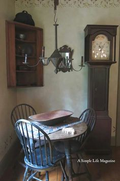 A Simple Life magazine Colonial Furniture, Primitive Furniture, Country Furniture, Furniture Decor, Prim Decor, Country Decor, Primitive Decor, Primitive Antiques, Primitive Country