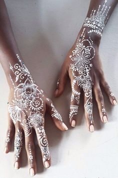 These White Henna Designs Are So Beautiful, They'll Make Your Jaw Drop These White Henna Designs Are So Beautiful, They'll Make Your Jaw Drop,mana 30 Delicate White Henna Designs That Are Completely Mesmerizing Posted. Mehndi Tattoo, Henna Tattoos, Henna Tattoo Muster, White Henna Tattoo, Tribal Flower Tattoos, Red Henna, Flower Henna, Finger Tattoo Designs, Henna Tattoo Designs