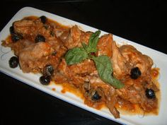 Coniglio alla livornese Real Food Recipes, Chicken Recipes, Kitchen Time, Mediterranean Dishes, Antipasto, American Food, Italian Recipes, Food And Drink, Cooking
