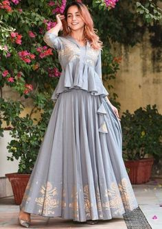 wedmegood trousseau complete bride found build what this took and for the is to We Took To Build A Complete Trousseau For The Bride And This Is What We Found WedMeGoodYou can find Designer dresses and more on our website Party Wear Indian Dresses, Designer Party Wear Dresses, Indian Fashion Dresses, Indian Gowns Dresses, Dress Indian Style, Indian Wedding Outfits, Indian Designer Outfits, Indian Outfits, Indian Wedding Guest Dress