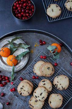 Orange Cranberry Shortbread Cookies on EYESWOON