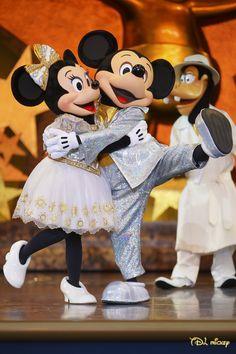 ラブラブのミッキーとミニー、ミッキー着ぐるみ、ミニーの着ぐるみならhttp://www.mascotshows.jp/category/mickey-mouse.html