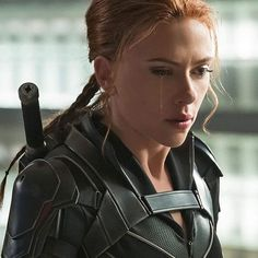 To celebrate 10 years of Black Widow, EW photographed Scarlett Johansson for an April cover shoot—and assembled a few exclusive stills from the upcoming solo movie. Black Widow Red Room, Black Widow Film, Black Widow Avengers, Black Widow Scarlett, Black Widow Natasha, Scarlett Johansson, Marvel Heroes, Marvel Avengers, Marvel Women