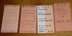 Kartonnen treinkaartjes. Een gaatje erin bij controle. Jammer genoeg heb ik deze kaartjes nooit (lang) bewaard.