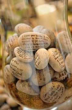 Guestbook idea. :) Have them sign river stones with little notes so you can later place in a vase or jar at home for display. Better than a book collecting dust. Gevonden via pinterest