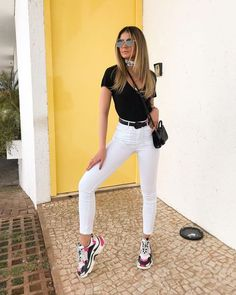 Black belt + white pants: the practical duo and nothing obvious – Blouse pr … - Kurze Frisuren Style Casual, Casual Looks, Casual Outfits, Fashion Outfits, Womens Fashion, Fashion Tips, Fashion Trends, Outfits Primavera, Looks Baskets