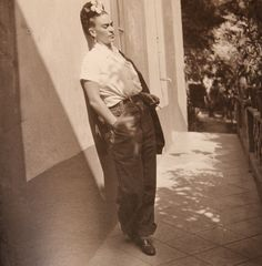 Frida Kahlo by Emmy Lou Packard, Mexico, 1941