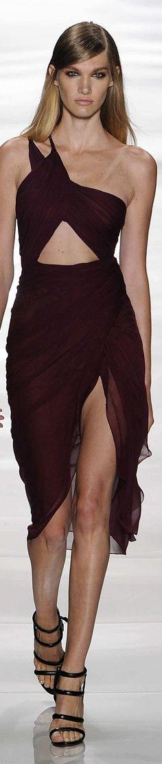 Reem Acra Spring 2015 Ready-to-Wear Look Fashion, Runway Fashion, High Fashion, Fashion Design, Gala Dresses, Nice Dresses, Phresh Out The Runway, Burgundy Fashion, So Little Time