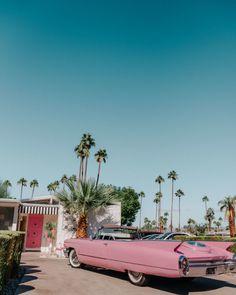 25 Photos to Inspire You to Attend Modernism Week in Palm Springs - Kaylchip - Kleine Welt von Mia Palm Springs Style, Palm Springs California, California Dreamin', Vintage California, Midcentury Modern, Hostels, Modernism Week, Modernisme, Back In Time