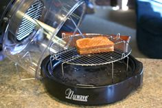 Perfectly Simple, Delicious Lunch: Grilled Cheese in the NuWave Oven. 5 min on each side Halogen Oven Recipes, Convection Oven Recipes, Nuwave Oven Recipes, Cooking Recipes, Soup Recipes, Nu Wave Recipes, Nu Wave Oven, Rotisserie Oven, Best Grilled Cheese