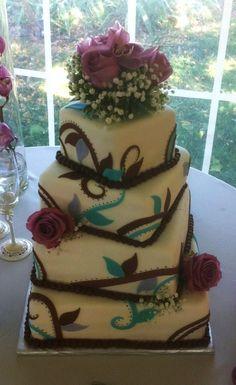 Twisted Vines Wedding Cake