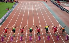Gold medallists Mo Farah and Usain Bolt of Jamaica pose on the podium Usain Bolt, Rio Olympics 2016, Summer Olympics, Running Track, Start Running, Athletic Events, Olympic Athletes, Action Poses, Track And Field