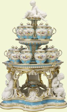 Minton : Staffordshire (c. 1850-1851) - Dessert stand (jelly or cream) (from the 'Victoria' pattern dessert service) | Glazed and unglazed bone china, painted in enamels and gilded  | Purchased by Queen Victoria from the stand of Minto & Co. at the Great Exhibition, 1851 |  Royal Collection Trust/© Her Majesty Queen Elizabeth II 2014