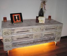 DIY Pallet Dresser with Drawers
