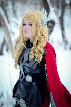 A beautiful Rule 63 Thor. Look at the wings in her hair! - 15 Lady Thor Cosplays