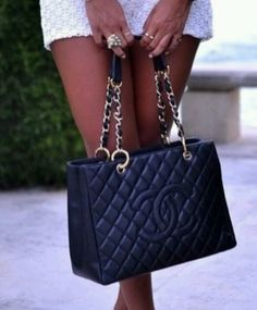 "Chanel loving ""Dress shabbily and they remember the dress; dress impeccably and they remember the woman."" — Coco Chanel ---- www. Fashion Handbags, Purses And Handbags, Fashion Bags, Women's Fashion, Gucci Handbags, Handbags Online, Purses Online, Gucci Purses, Cheap Handbags"