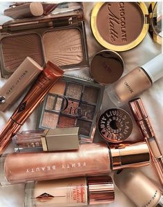 Charlotte tilbury, luxury makeup, sephora, huda be Day Makeup, Makeup Kit, Skin Makeup, Makeup Inspo, Summer Makeup, Makeup Brush, Makeup Tools, Makeup Ideas, Bath Body Works