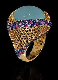 Mousson Atelier, collection New Age - Bouchée, Yellow gold 750, Aquamarine 23,73 ct., Diamonds, Sapphires, Pink sapphires, Rubies