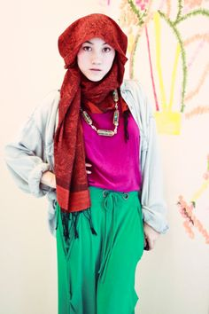 Hana Tajima--Love her style! Muslim Fashion, Modest Fashion, Unique Fashion, Women's Fashion, Hijab Mode Inspiration, Hijab Stile, Jersey Maxi Skirts, Hijab Fashionista, Islamic Clothing