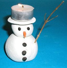Make A Snowman Shaped Candle Kids Christmas, Christmas Crafts, Primitive Christmas, Diy For Kids, Crafts For Kids, Clay Christmas Decorations, Holiday Decor, Make A Snowman, Theme Noel