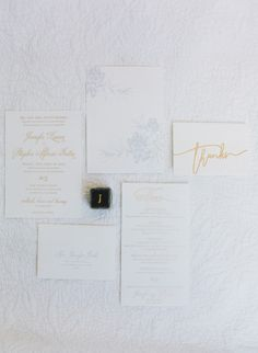 Baby blue and gold: http://www.stylemepretty.com/2015/06/29/romantic-san-ysidro-ranch-summer-wedding/ | Photography: Diana McGregor - http://www.dianamcgregor.com/