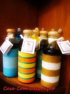 #vivapositivamente @RegianeDesign mostra como reaproveitar garrafas de vidro. http://www.casacomdecoracao.com.br/2012/05/decoracao-reaproveitando-garrafas-de.html