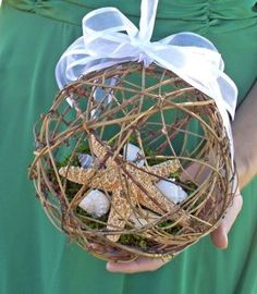 bridesmaids can carry twine balls