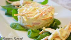 Salata capricciosa este o salata cu specific italian, un amestec de legume, precum telina si morcovul, brânză, prosciutto cotto si maioneza. Cabbage, Food And Drink, Cooking Recipes, Eggs, Vegetables, Breakfast, Appetizers, Blue Prints, Morning Coffee