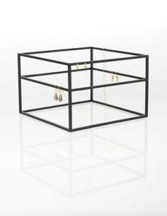 Morfo Cube Wide smykketræ (sort)