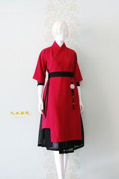 천의무봉 생활한복 천의답호 안녕하세요 한실장입니다 이것은!! 한실장의 천의답호!! 언제입죠? 아까워서바... Korean Fashion Trends, Asian Fashion, Girl Fashion, Fashion Dresses, Fashion Design, Japanese Outfits, Korean Outfits, Modern Hanbok, Chinese Clothing