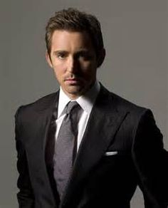 This man's charm, talant and handsome looks are way underappreciated, Lee Pace everybody! Oklahoma, Lee Pace Thranduil, Amc Shows, Hot Actors, Handsome Actors, Handsome Guys, Haircuts For Men, Men Hairstyles, Film