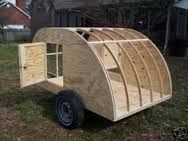 TEARDROP Tear Drop RV Camper Camp Trailer PLANS so bobby can build us one day :) We saw it on TV and we are deff going to have one! Tiny Trailers, Vintage Trailers, Camper Trailers, Vintage Airstream, Travel Trailers, Vintage Campers, Teardrop Trailer Plans, Trailer Diy, Teardrop Camping